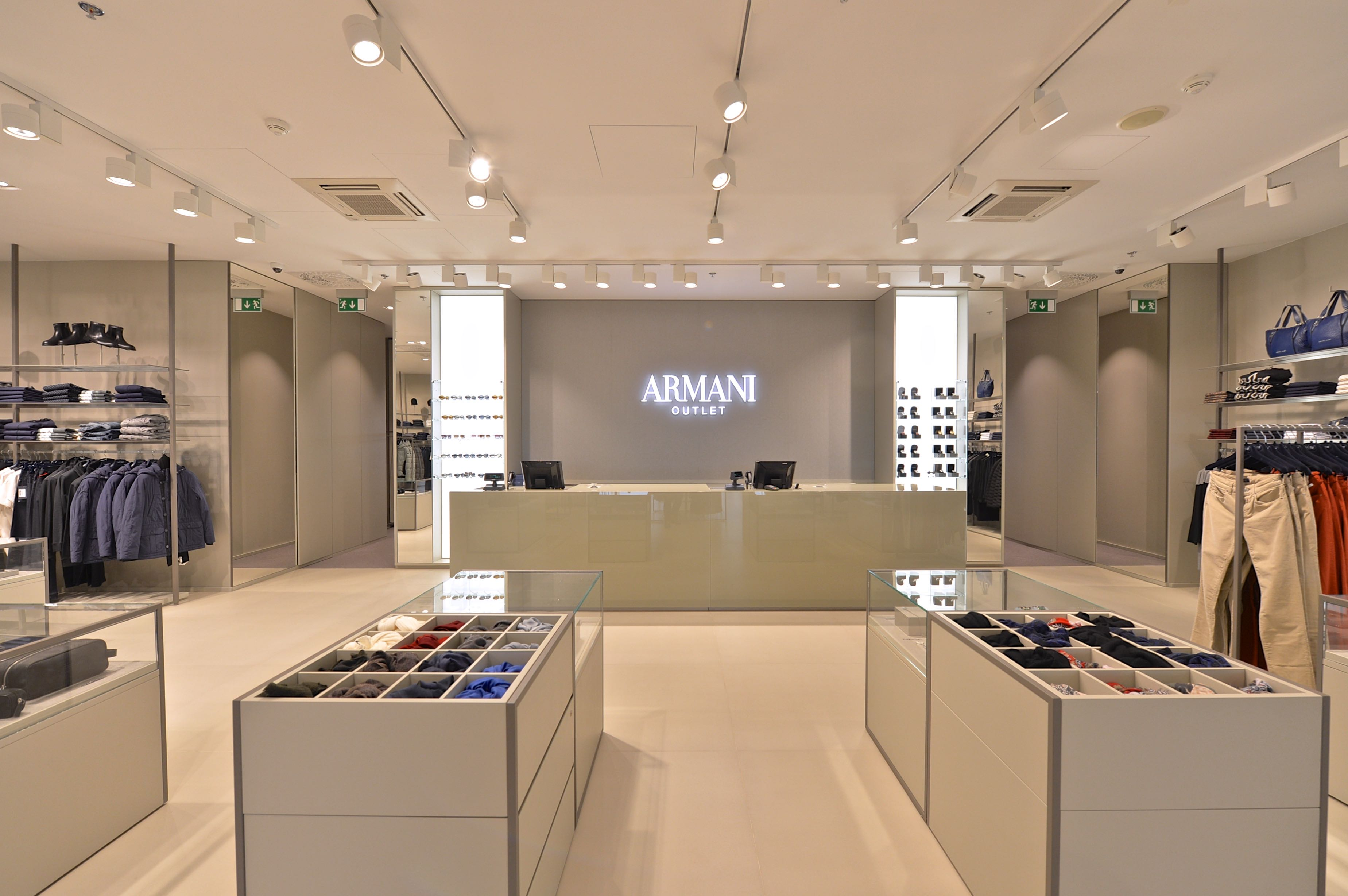 armani outlet 1